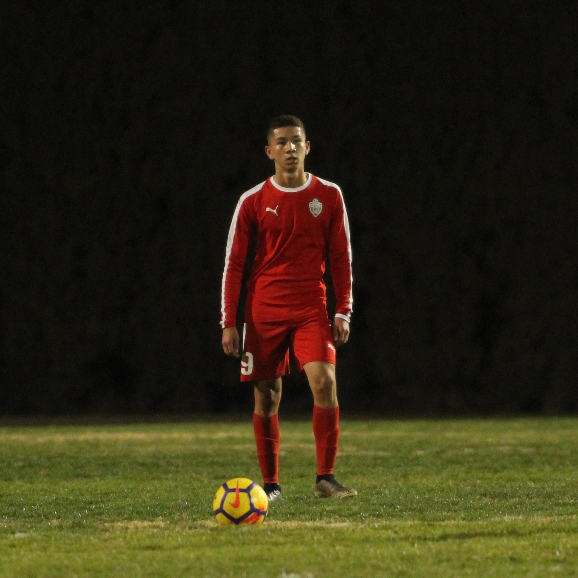 Jose Renteria waiting to kick the ball