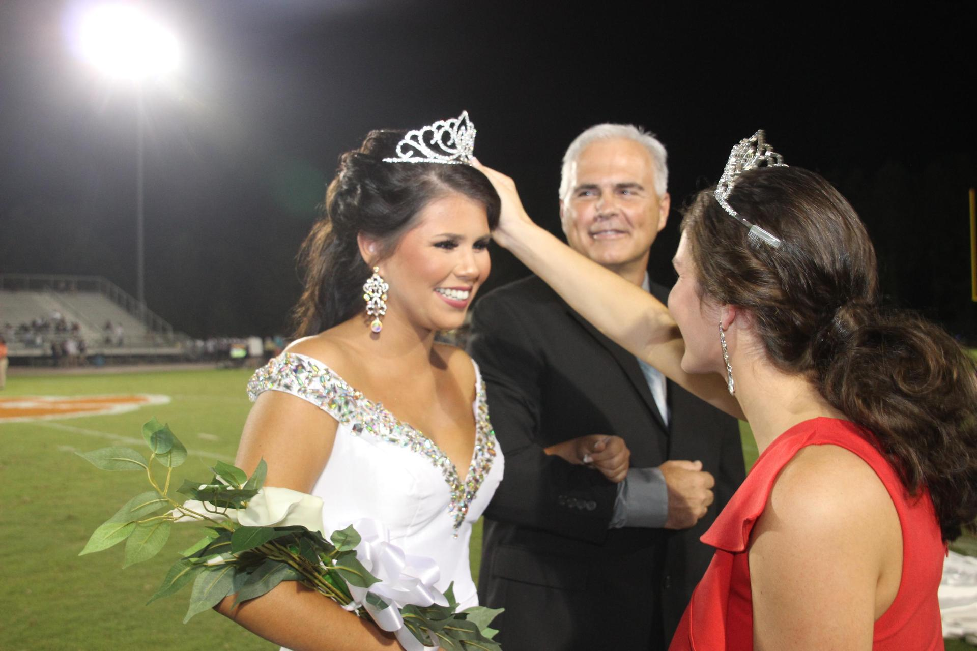 Homecoming Queen is Crowned by Student