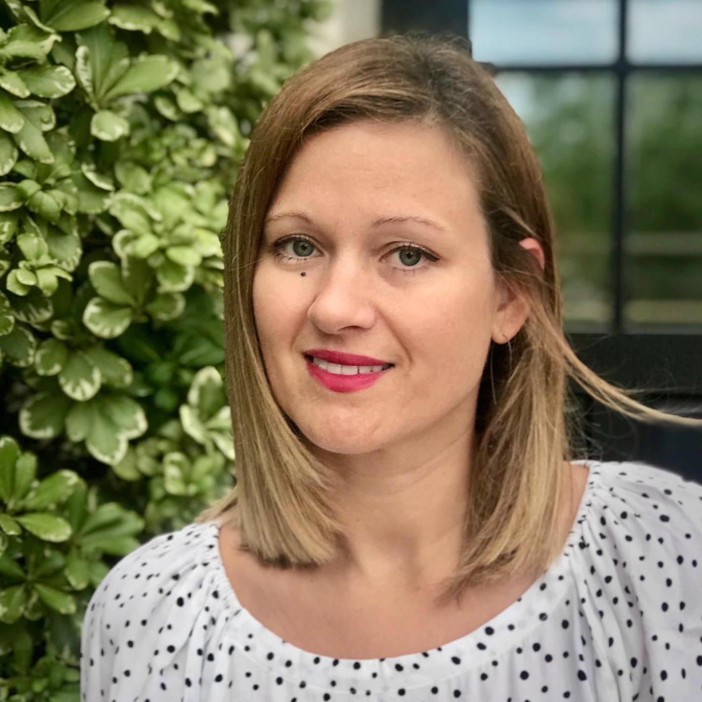 Elizabeth Djenic's Profile Photo