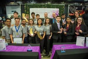 Stockdale virtual enterprise students pose for a picture