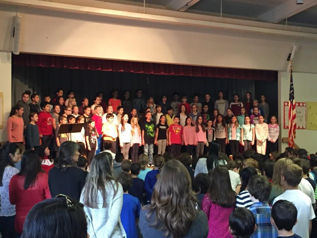 Chorus singing to the Veterans