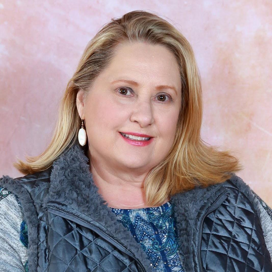 Suzanne Thomas's Profile Photo