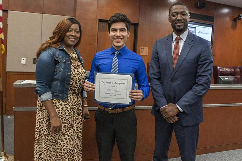 dell_scholarship_recipient_recognized_at_board_meeting_041619
