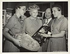 Helen Keller with NYI girl scouts