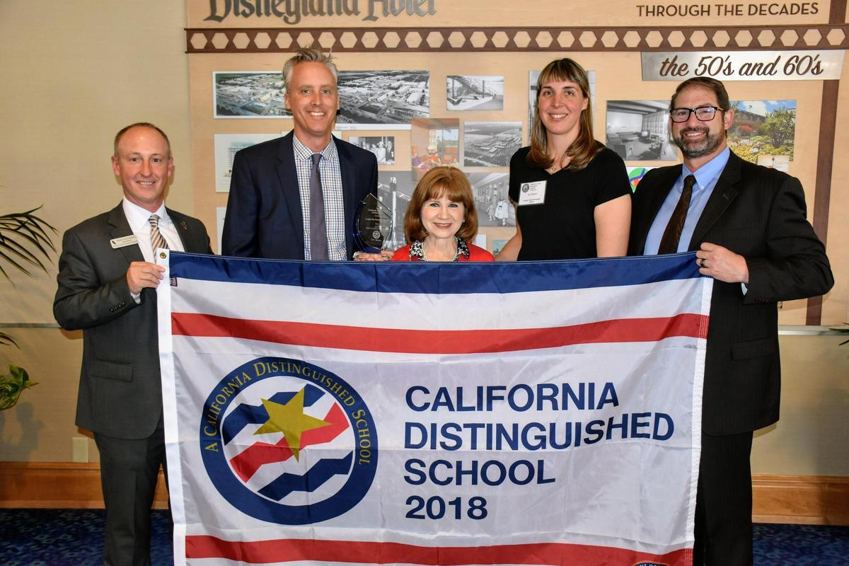 ca distinguished school banner