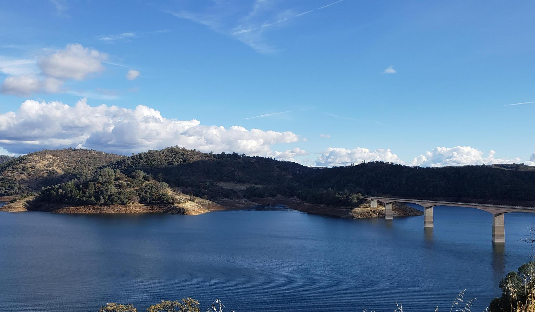Picture of New Melones Lakes