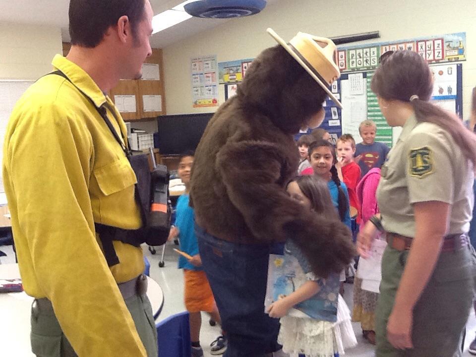 Smokey visiting students