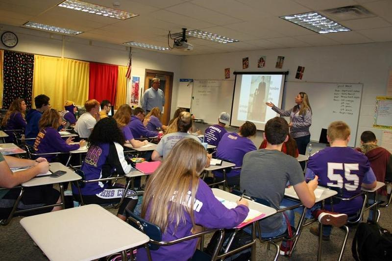 Stefan Luecke visits Mrs. Purnell's Spanish class