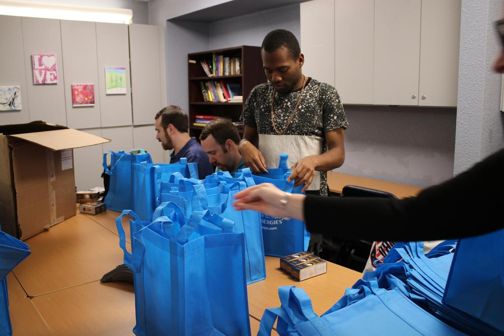 DDI's 2019 Annual Golf Classic volunteers making gift bags
