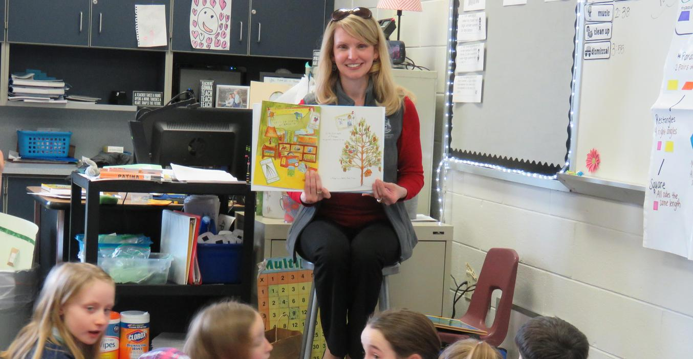 State Rep. Julie Calley reads to Page students.