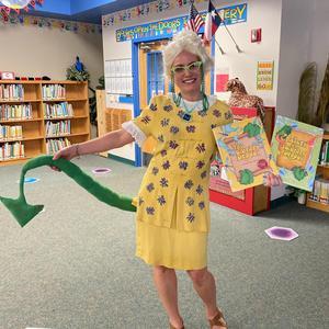 Librarian Sheri Wersterfer Hoffmann Lane ES