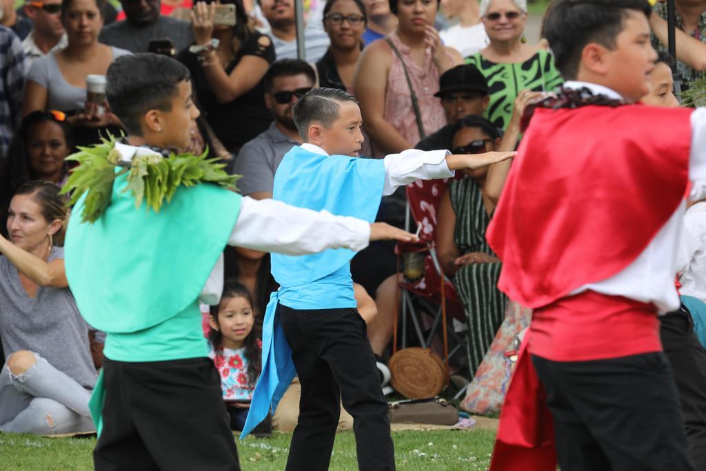 court escorts dancing