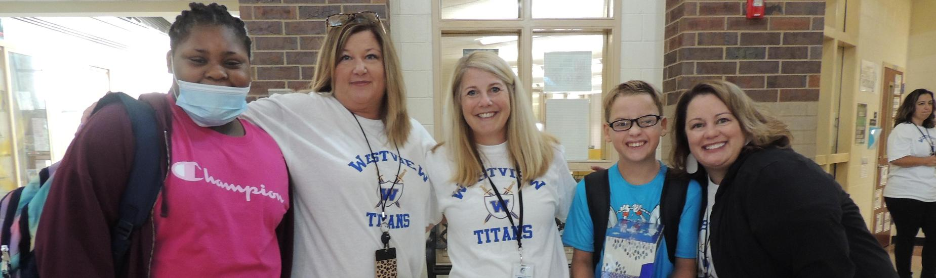 Ms. Cullens, Mrs. Sanders, Mrs. Bolick and Westview students