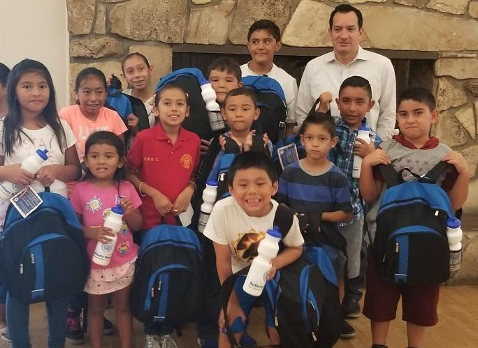 Lynwood Unified Students Receive Backpacks, School Supplies from Assemblyman Rendon Featured Photo