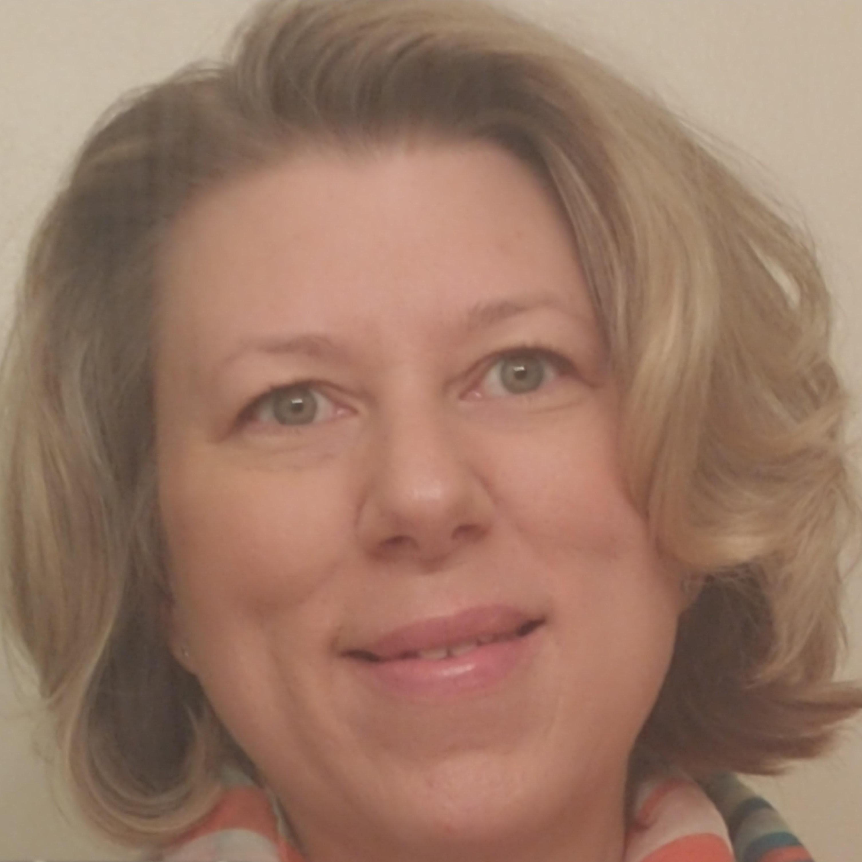 Julie Comardo's Profile Photo