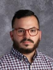 Photo of teacher Dennis Rivera