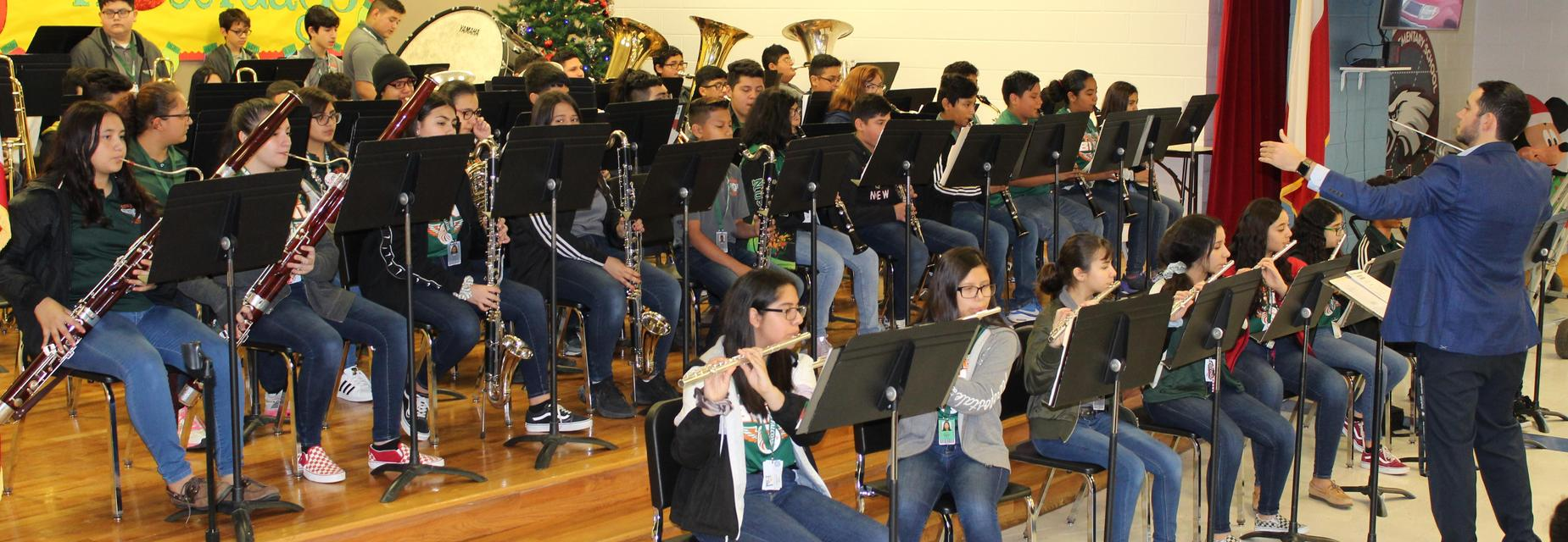 AMJH band visits campus