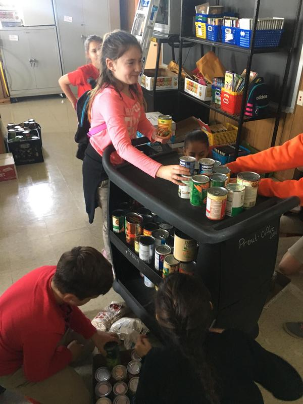 Student Council food drive 5.JPG