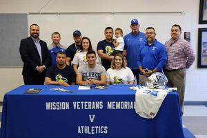 VMHS student signing