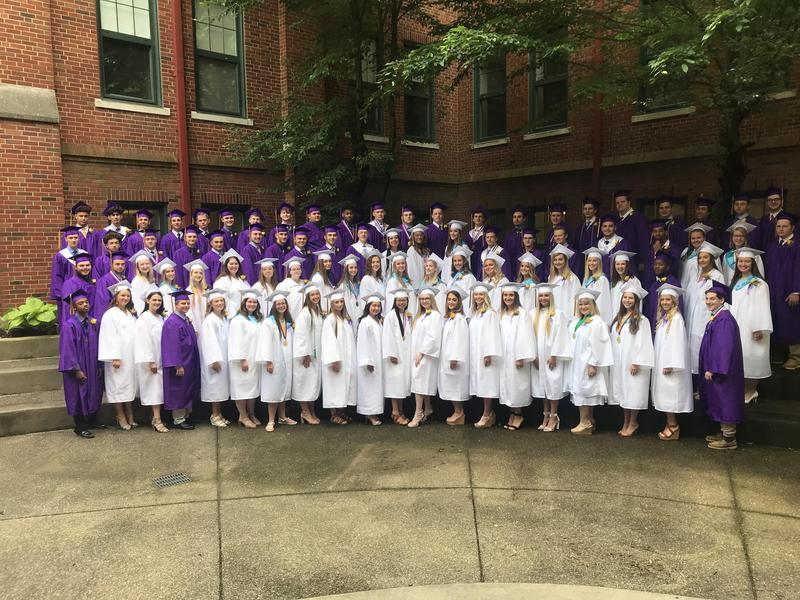 photo of the graduates of the OLSH class of 2019