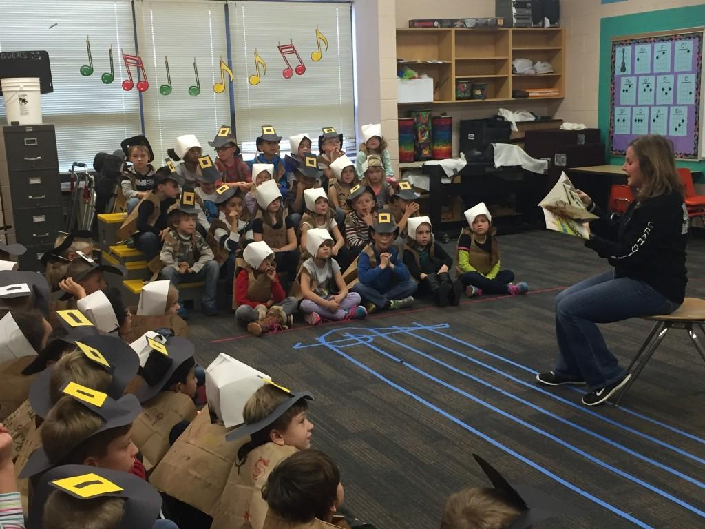 principal reading Thanksgiving story