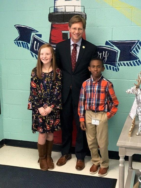 State Superintendent visits USJ