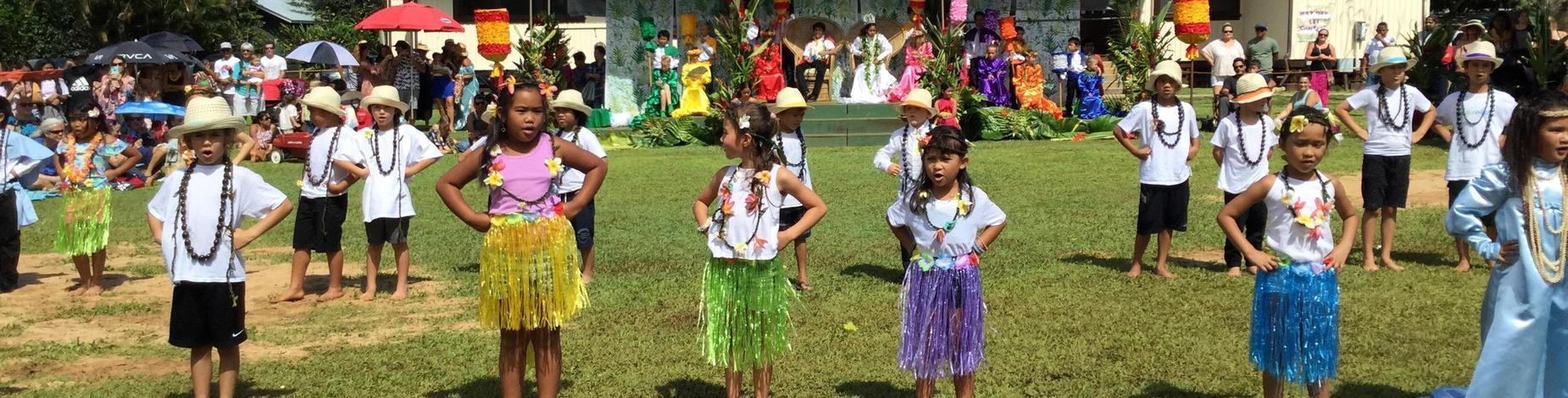 1st Grade students perform hula!