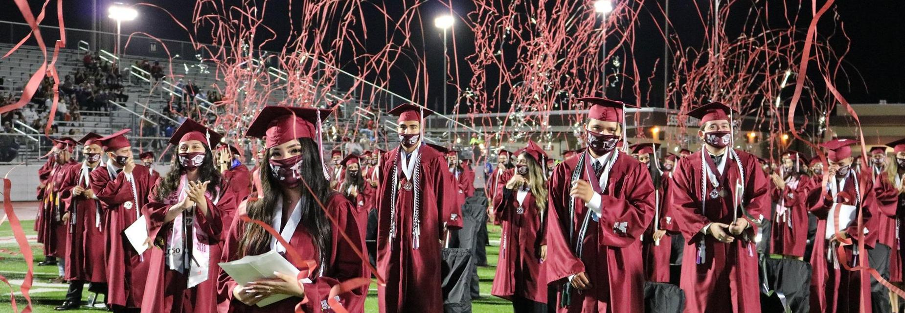 MHS grads and streamers