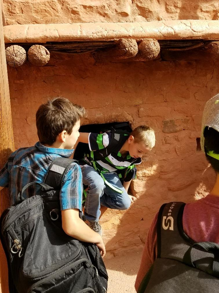 Fourth graders take a trip to the Manitou Cliff Dwellings.