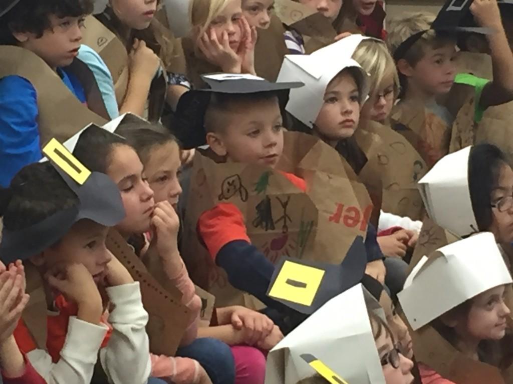 students dressed as Pilgrims