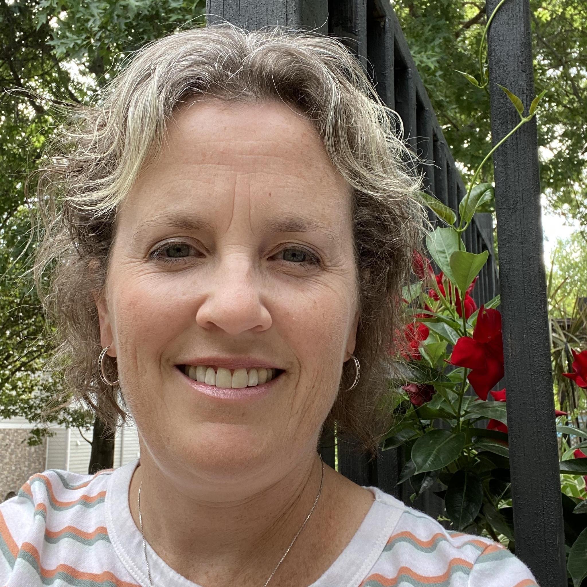 Julie Cruz's Profile Photo