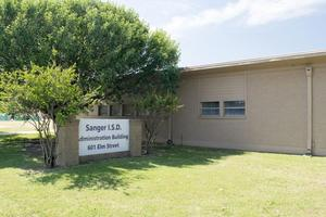 Photo of the Sanger ISD administration building.