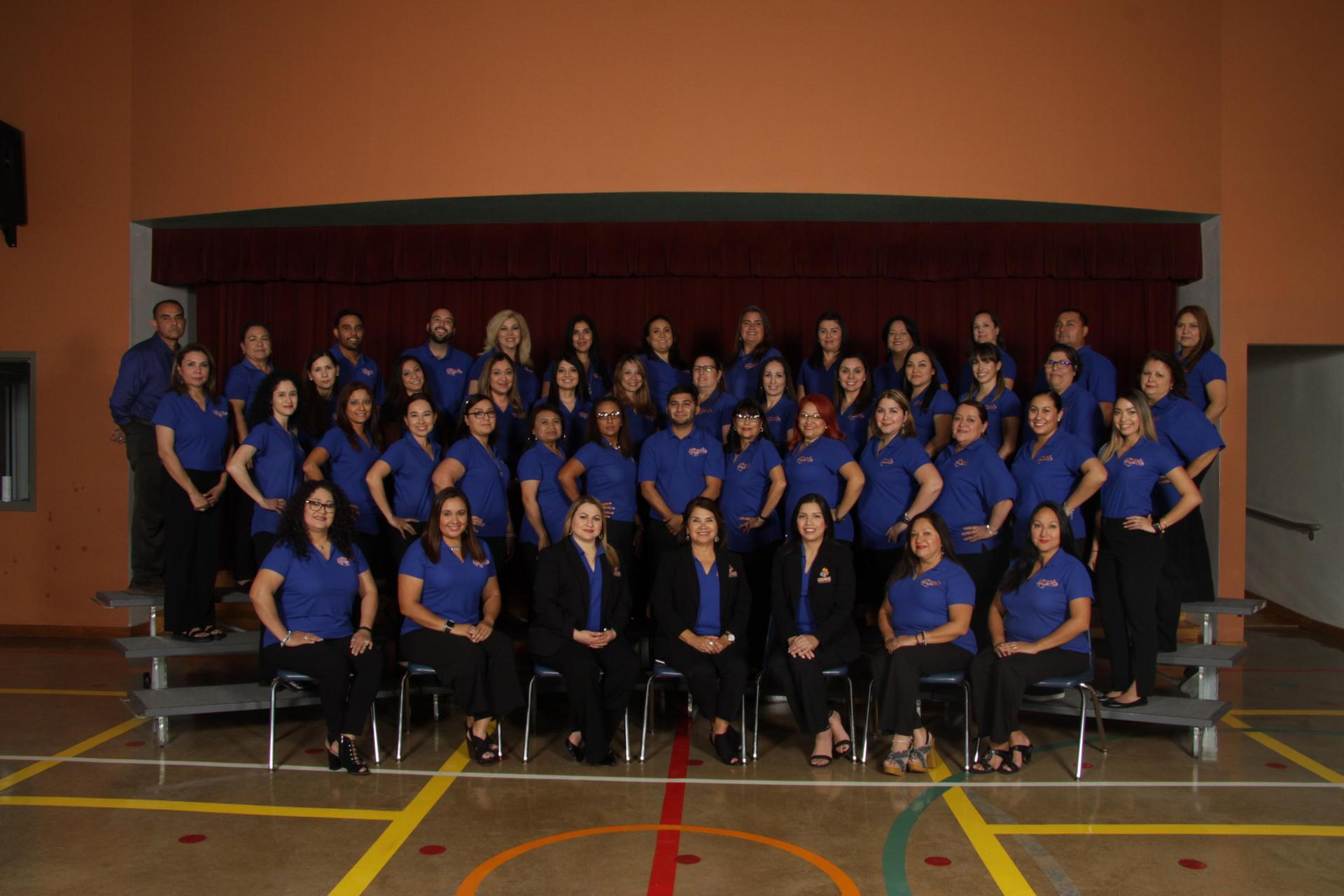 photo of Lincoln Elementary staff 2018-2019