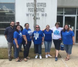 Educators pose in front of Wyatt Post Office