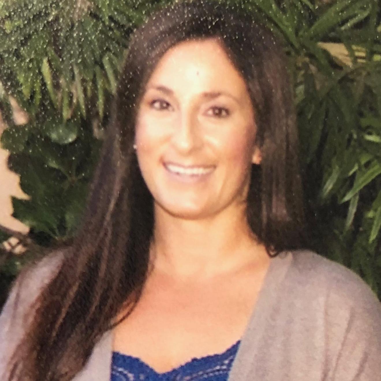 Leah Rosales's Profile Photo
