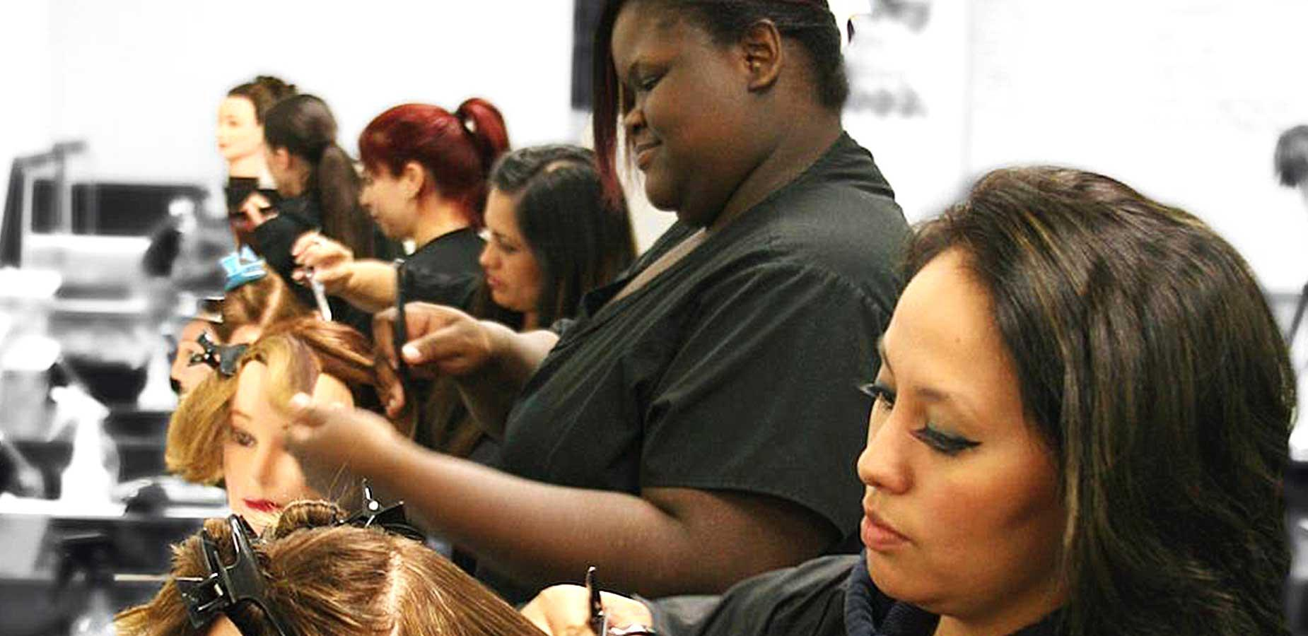 picture of cosmetology students