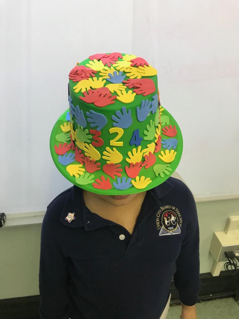 crazy hands hat
