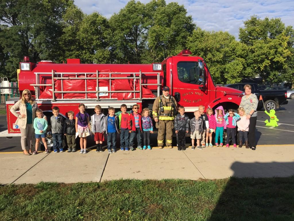 Kindergarteners with the SM Fire Truck