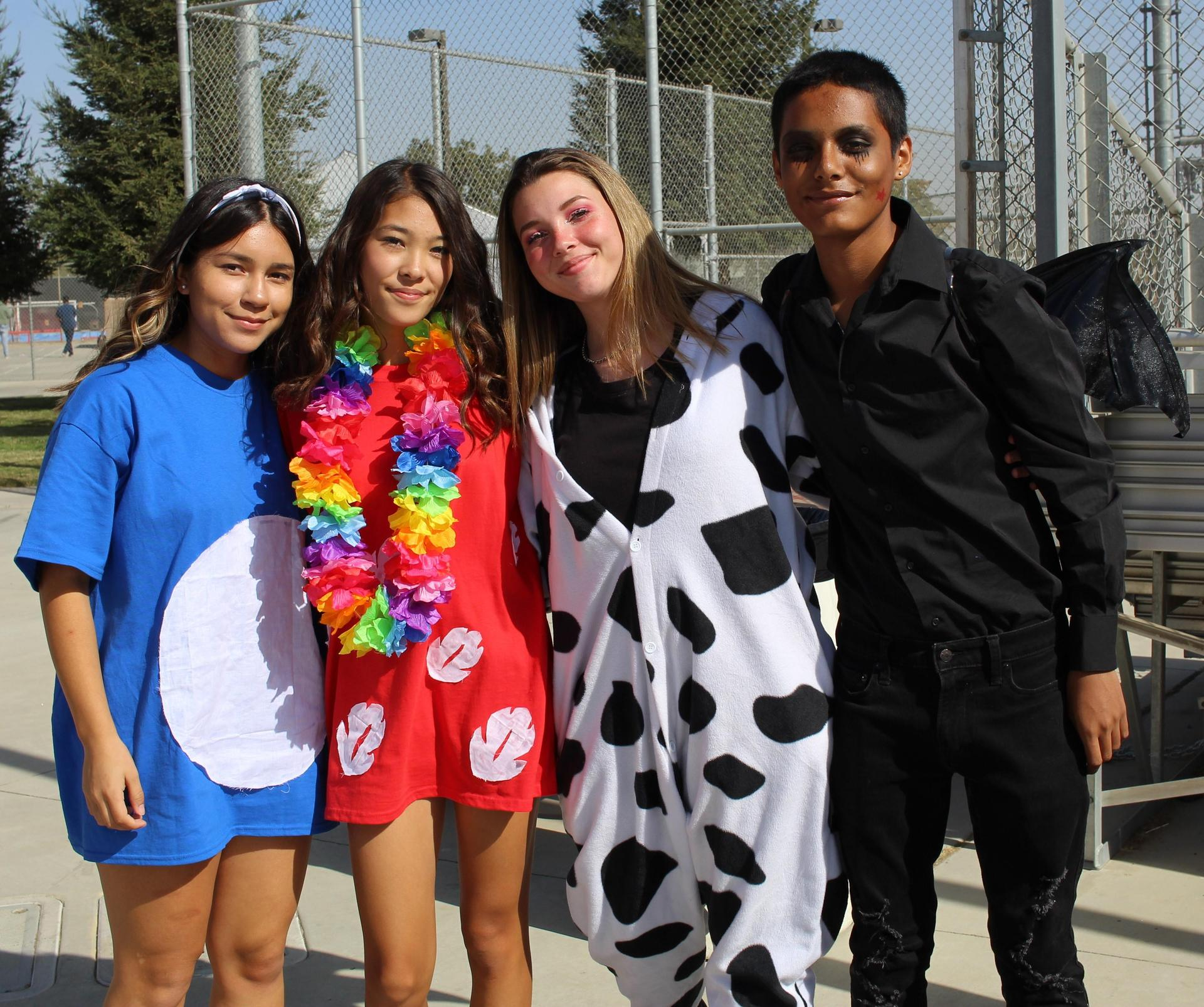 Liz Lopez as Stitch, Kanami Wood as Lilo, Caila Adams as a Cow, Sebastian Vega a Vampire