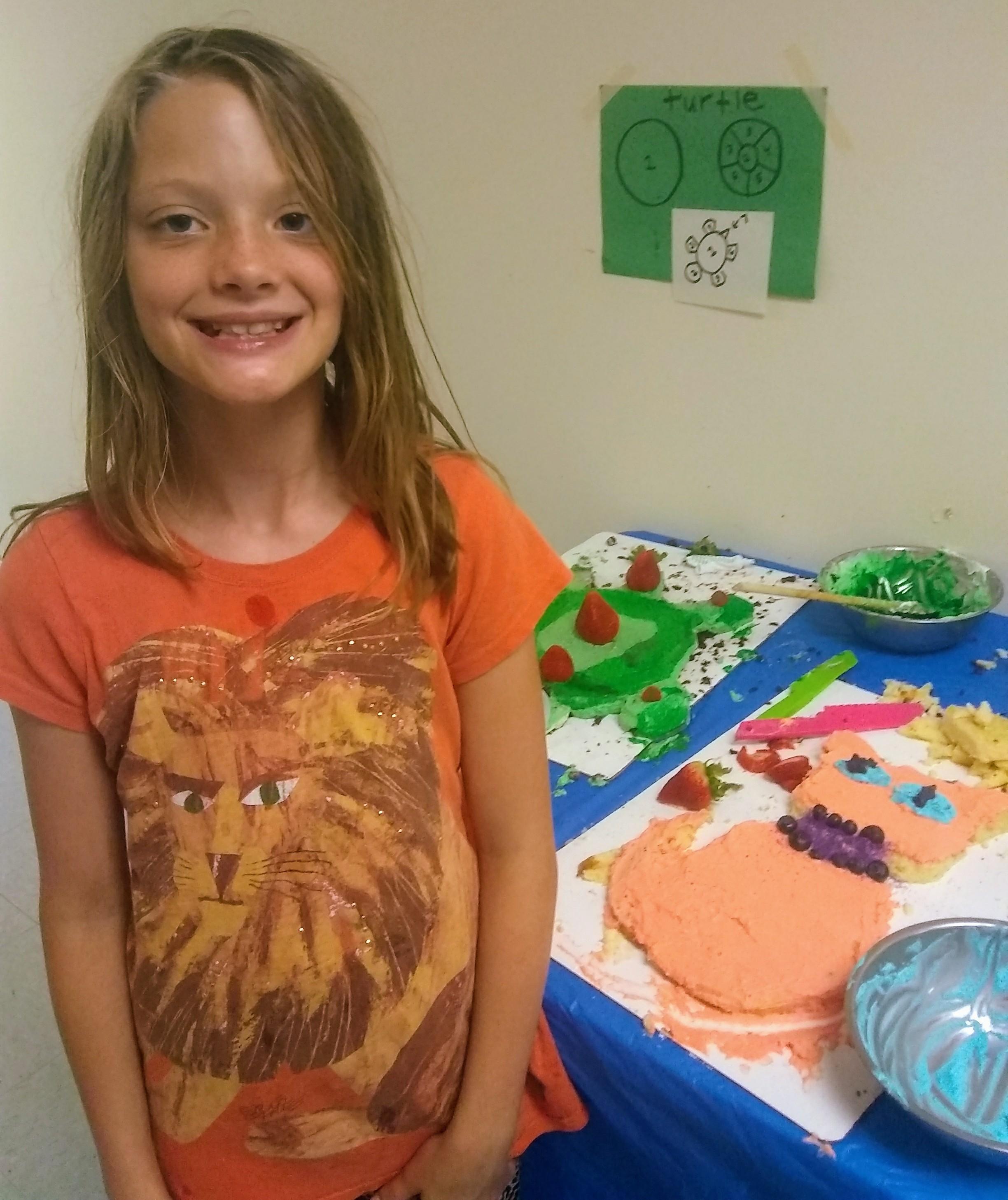 a cat shaped cake