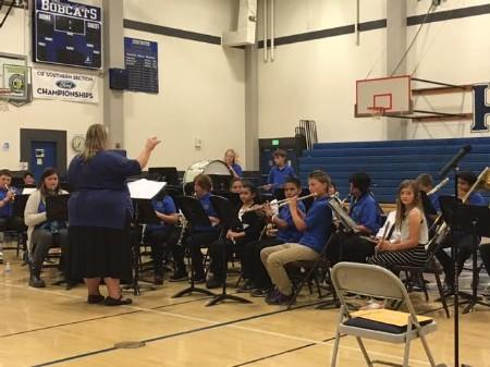 Band Performs at Hamilton High