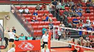Carley Reeves-Eakins playing volleyball
