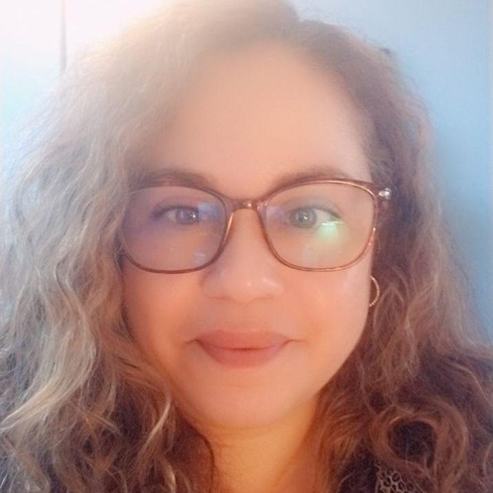 Elisabel Santos-Scott's Profile Photo