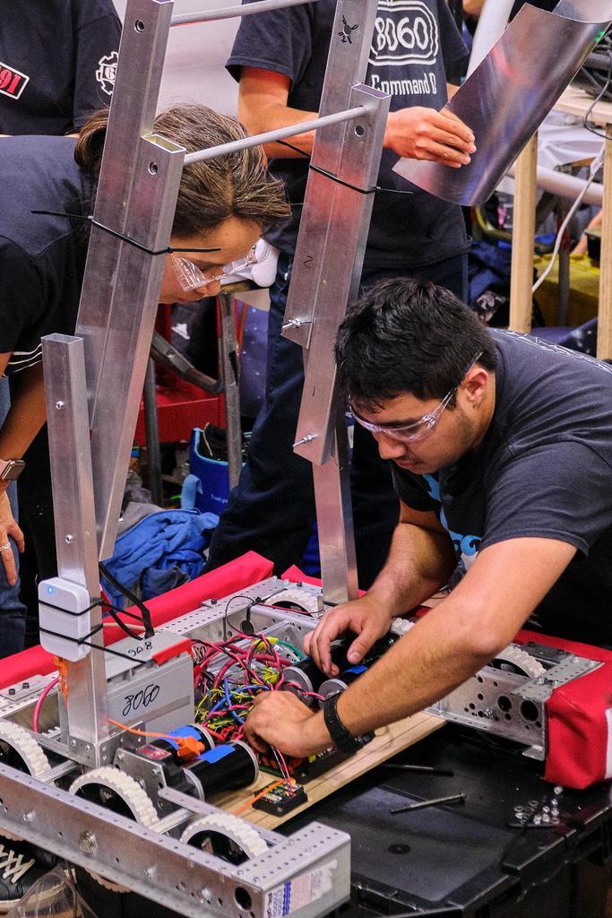 Wiring up 8060's bot