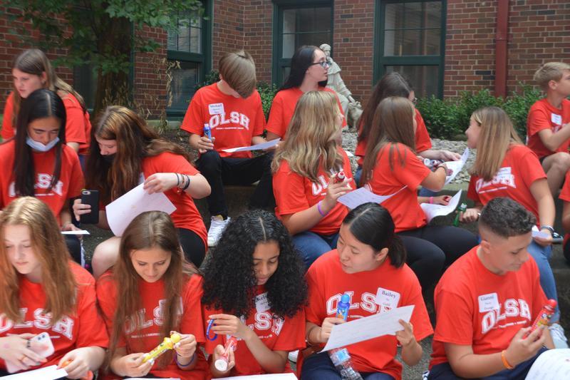 Freshmen gathered in courtyard