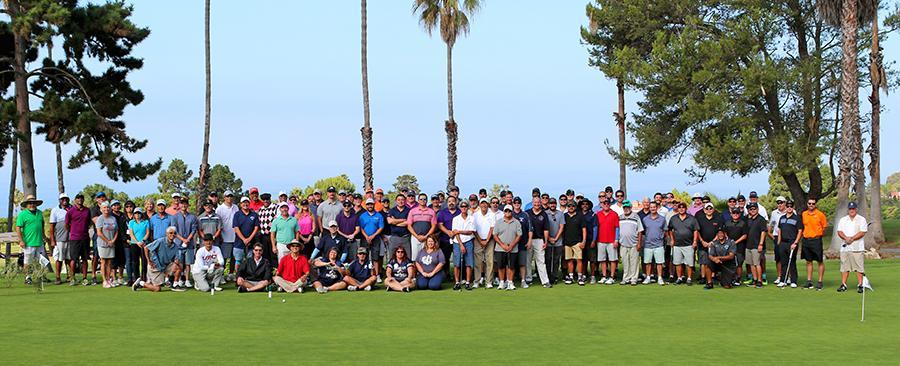 Group photo of 2018 Husky Classic Attendees