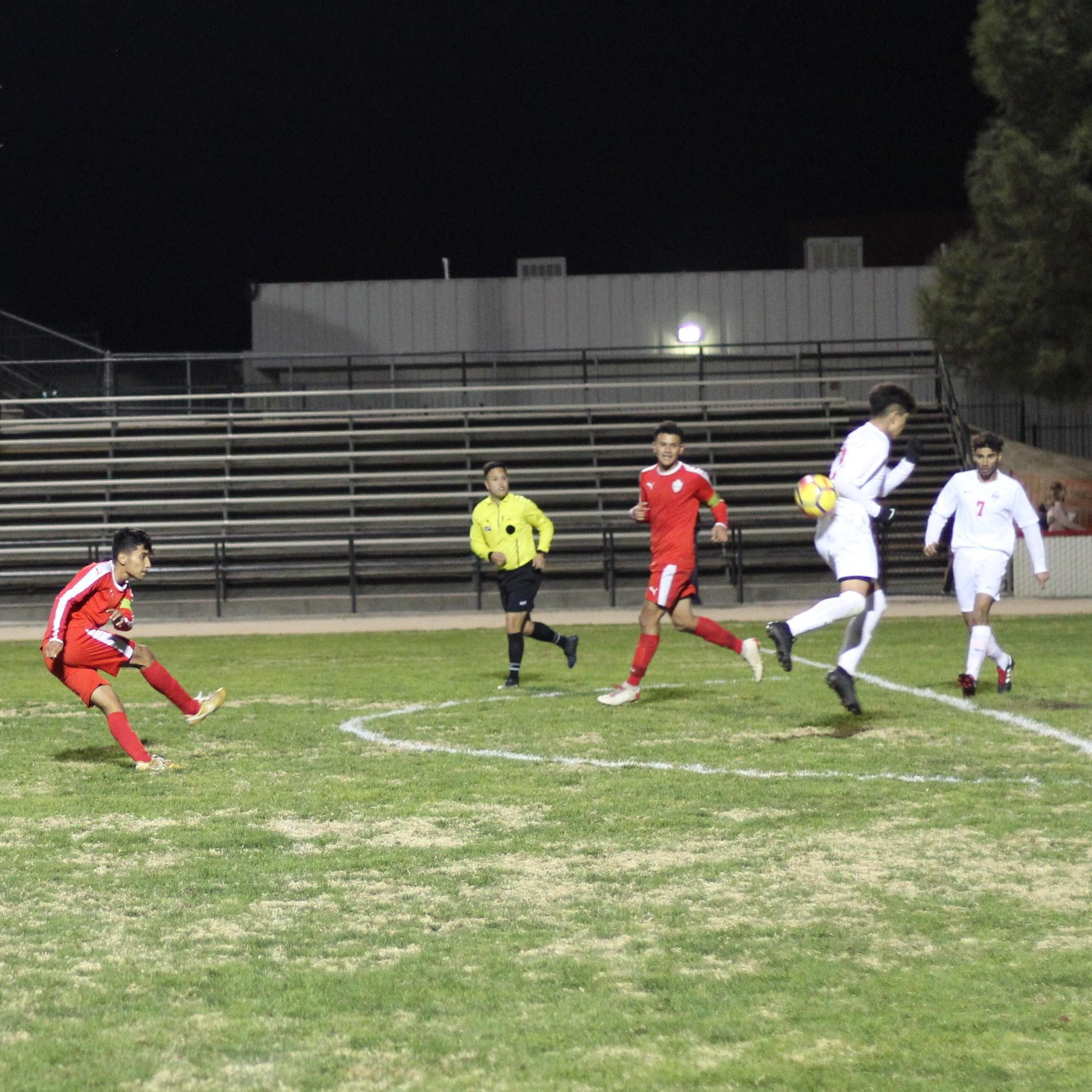Luis Reyes kicking