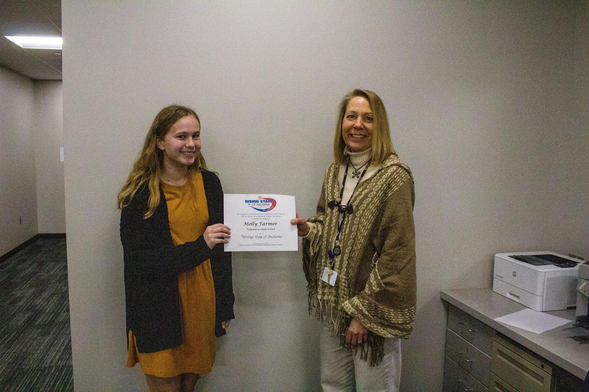 Molly Farmer, VHS Junior receives Rising Star of Indiana Certificate
