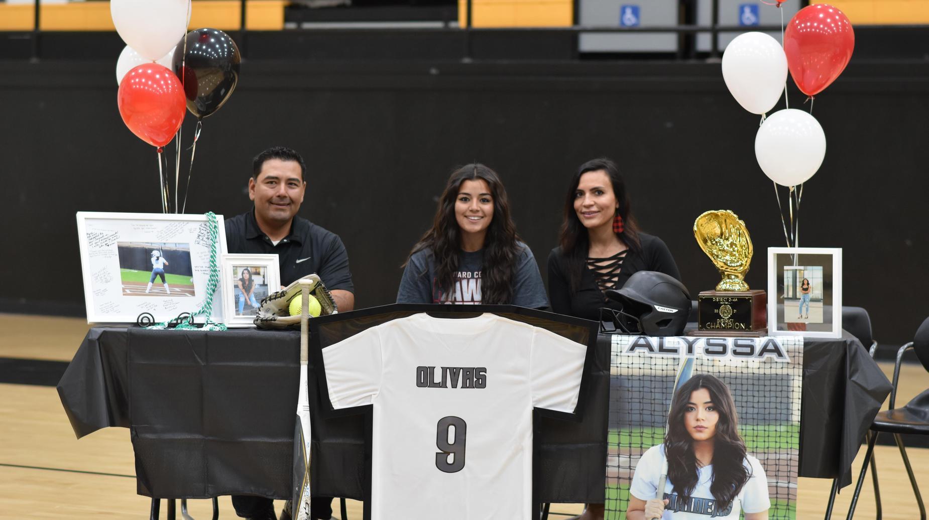 alyssa signing