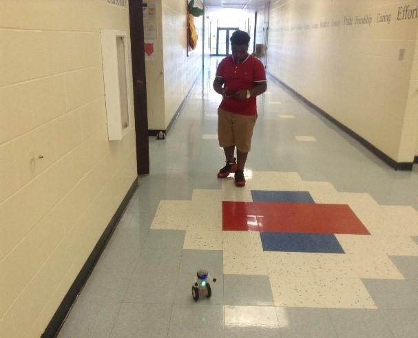Robo-Ray participant tests robot.